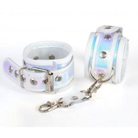 Белые кожаные наручники с перламутровым блеском